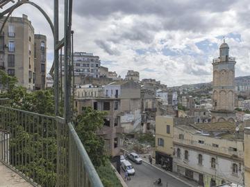 Vieille ville et minaret de la mosquée du Pacha