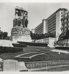 Ancien monument aux morts Le Pavois